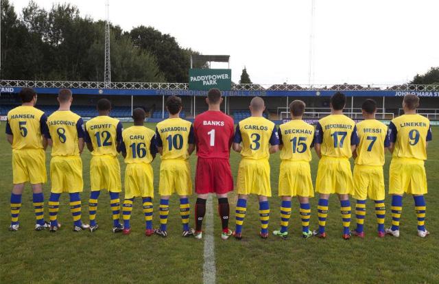 Un equipo amateur cambia el nombre de sus jugadores por Maradona, Pelé, Messi, Beckham y otros.