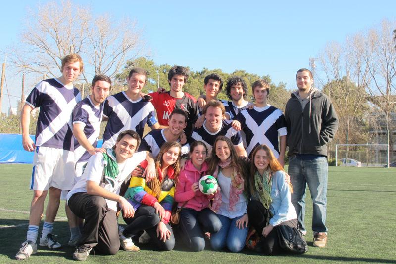 Para ellos no es solo juntarse a jugar al fútbol.