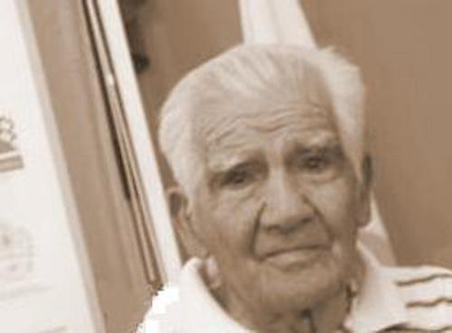 La historia de Juan Carlos Villarroel, un hombre que entregó su vida a formar y ayudar chicos a partir de la pelota.Fue el fundador y principal dueño de lo que en la zona se conoce como El Último Potrero.