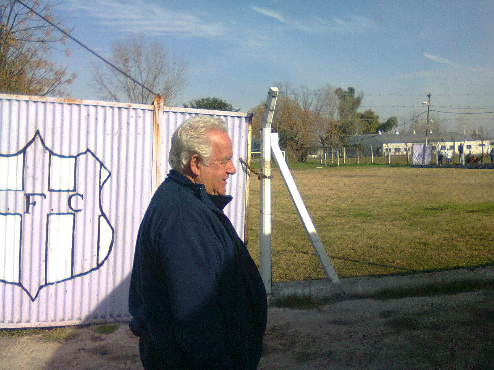 El barrio de Soldati, tiene su historia basada en lila y blanco. El que mira fútbol sabe de Sacachispas y de su militar en la Primera C. Pero poco se sabe de qué el fútbol amateur está ahí también. Y en su expresión más pura: en los chicos.