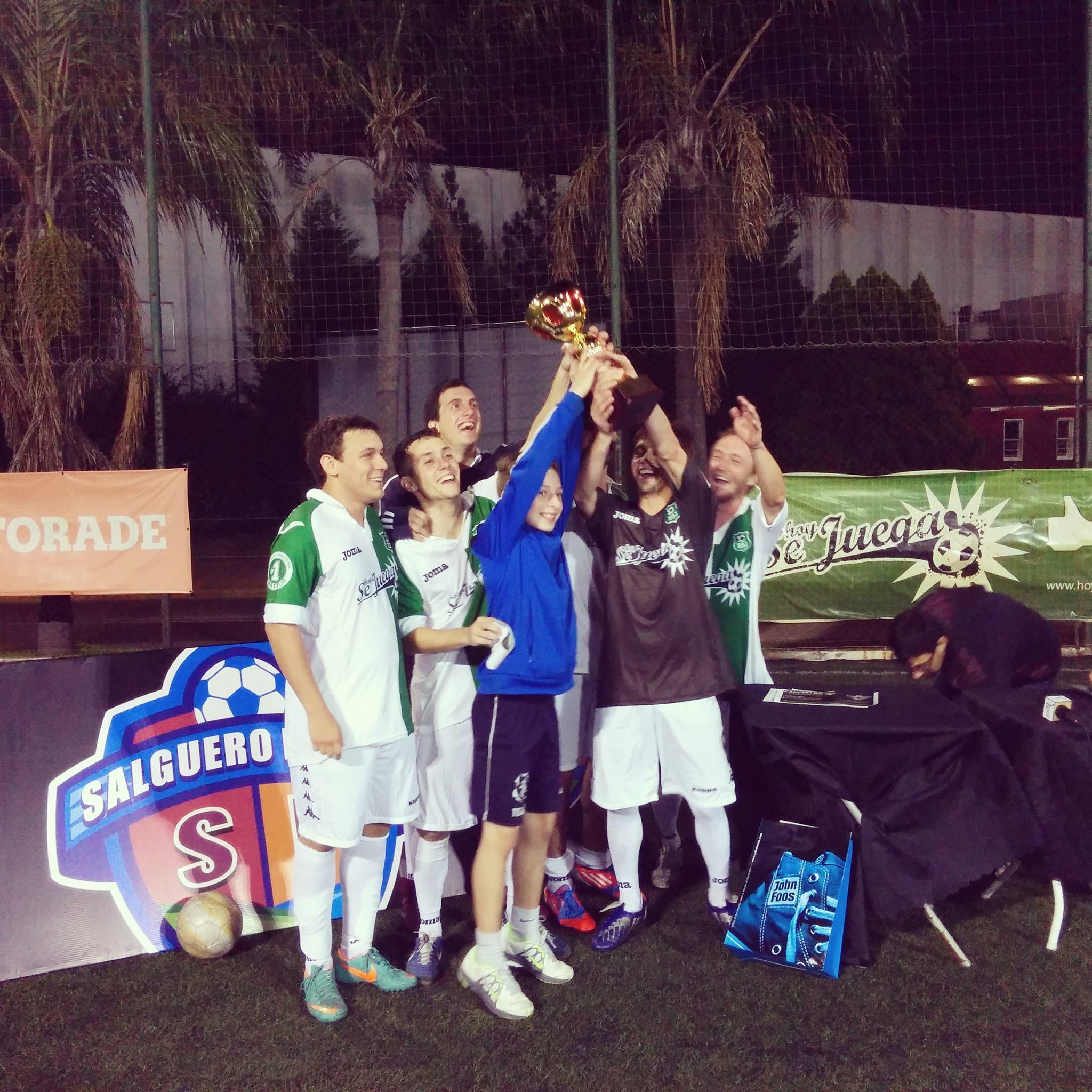 El equipo de HoySeJuega logró tras la victoria por 10 – 5 ante Mercado Libre alzarse con el trofeo de mejor equipo en el Mundial de Empresas organizado por Salguero Fútbol.