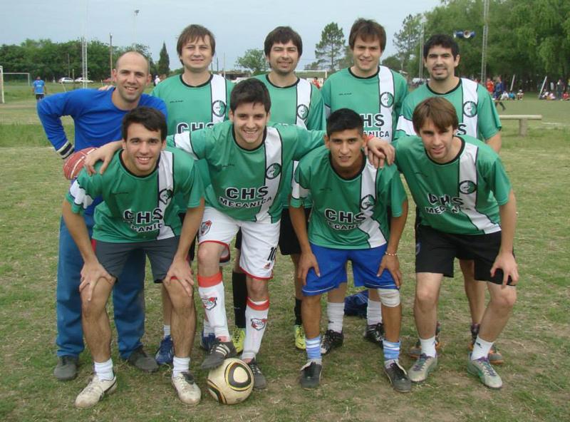 Desde hace 30 años se juega en Santa Fe la Liga Antorcha, una de las más importantes de la provincia. Conocemos a uno de sus equipos.