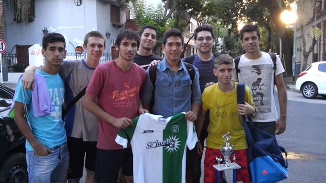 """Tras la victoria ante """"La Crema"""" y el campeonato obtenido, la gente del """"Normal 10"""" se juntó a hablar con HoySeJuega."""