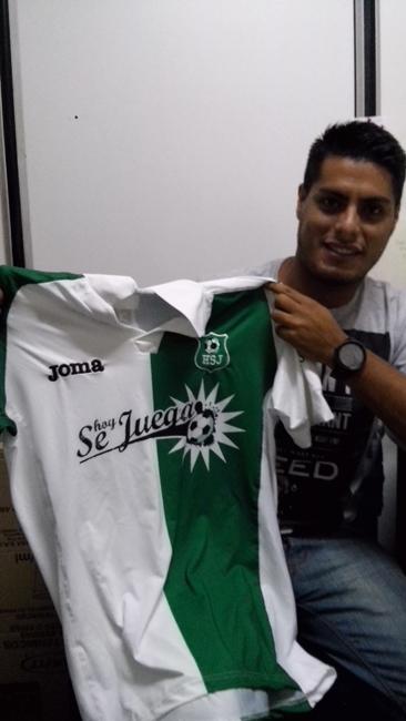 Adrian Flores, 27...