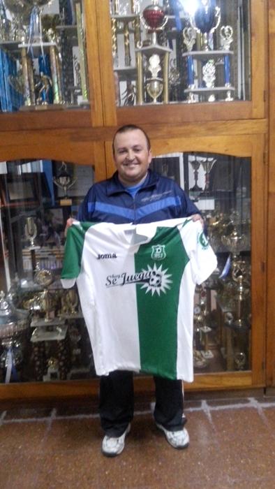 Hoy Miguel Letveñuk, coordinador del fútbol mayor y la primera división del Club Social y Deportivo Mar de Ajó nos habla de la historia, de su presente y futuro, además de la actualidad de un club que no descansa en invierno. Es más, ahí es su momento de gloria.