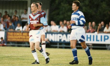 En 1994 un hincha de West Ham cumplió el sueño de millones de personas en el mundo. En un partido amistoso salió a defender los colores de su club. Conocé a Steve Davies o Tittyshev.