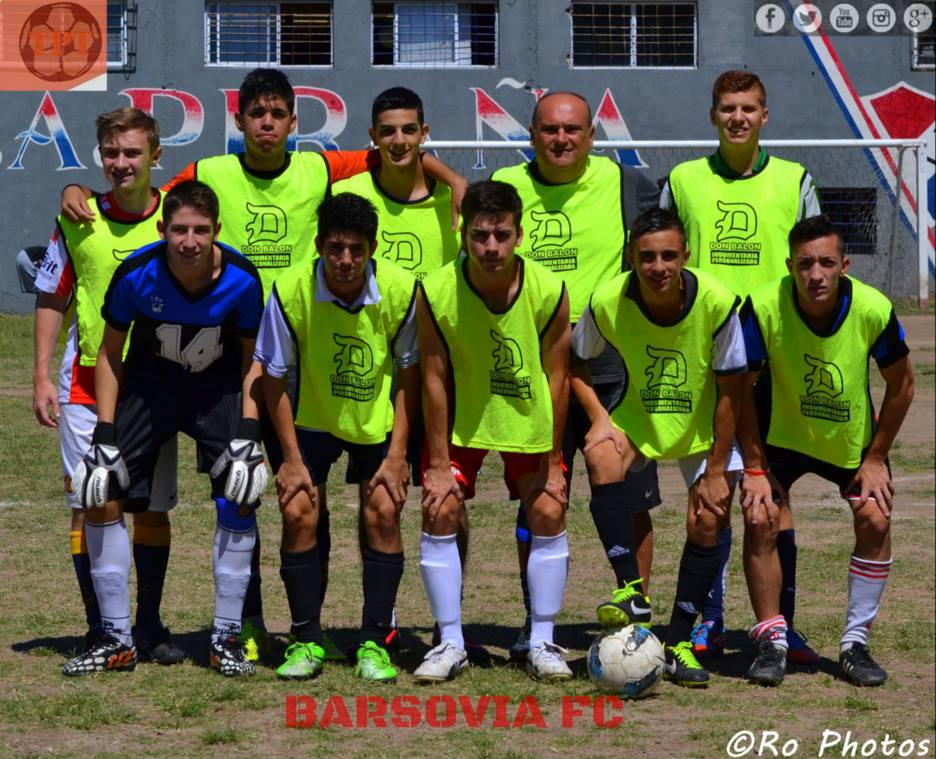 Así es el lema de Barsovia F.C, un equipo que no conoce de edades. Facu Umerez, uno de sus integrantes, nos cuenta la vida del conjunto de Parque Patricios.