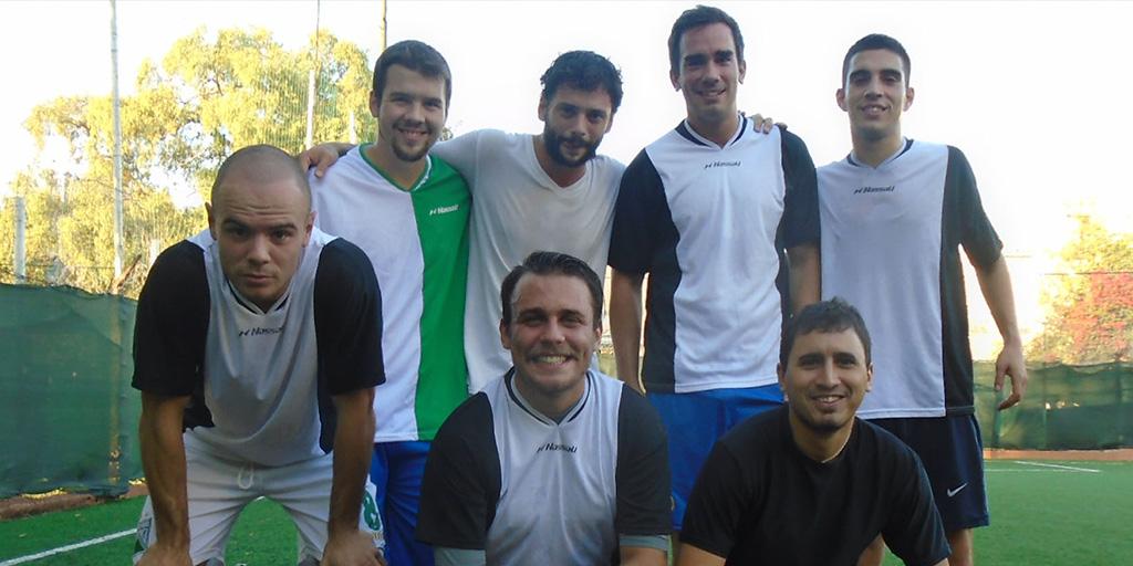 El domingo 6 de septiembre se jugó la primera fecha del torneo TdeA en El portón de Nuñez. La Postura FC, equipo que juega hace 4 años en el torneo, nos concedió unas palabras acerca del nuevo torneo, las renovadas expectativas y sus ganas de dar pelea hasta gritar campeón.