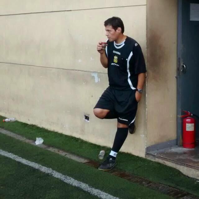 HoySeJuega tuvo la posibilidad de conversar con Gustavo Leguizamón, árbitro profesional de TdeA. El juez dio sus opiniones acerca de cómo es dirigir, qué criterios maneja y qué pasa cuando un partido se complica y hay que mostrar las tarjetas.