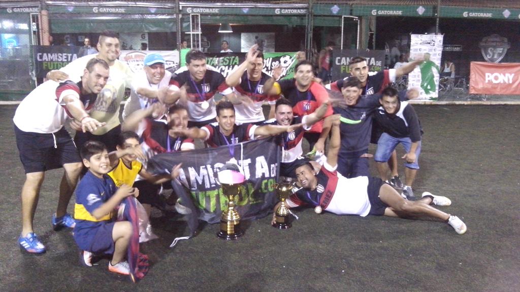 Se jugó una final del puerto: Los Leales y S.U.P.A. disputaron la final del torneo de Salguero Fútbol.
