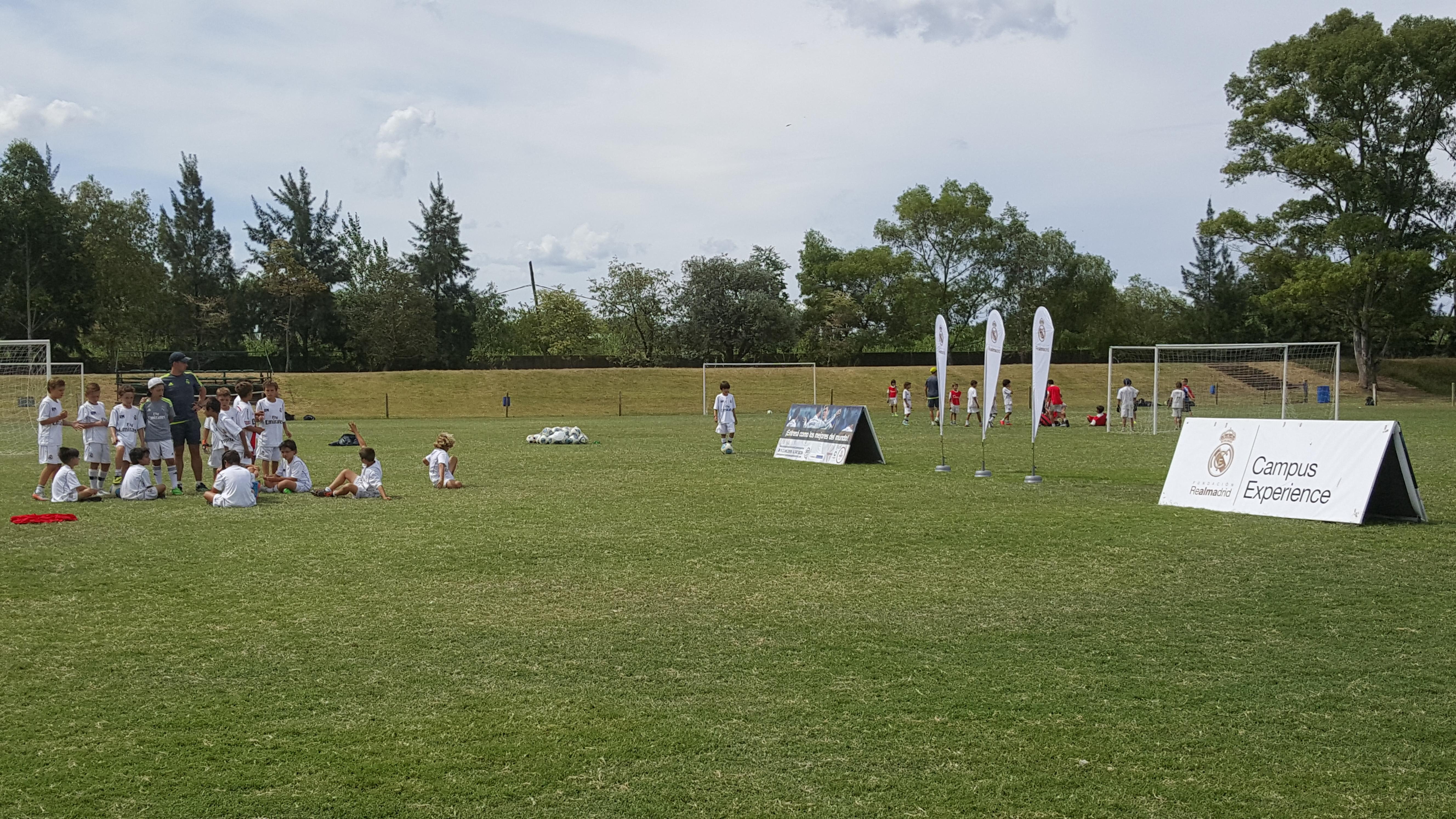 La Fundación Real Madrid se instaló en Buenos Aires con el Campus Experience. El mismo lleva 6 años recorriendo el mundo entero, aunque es la segunda vez que pisa suelo argentino.