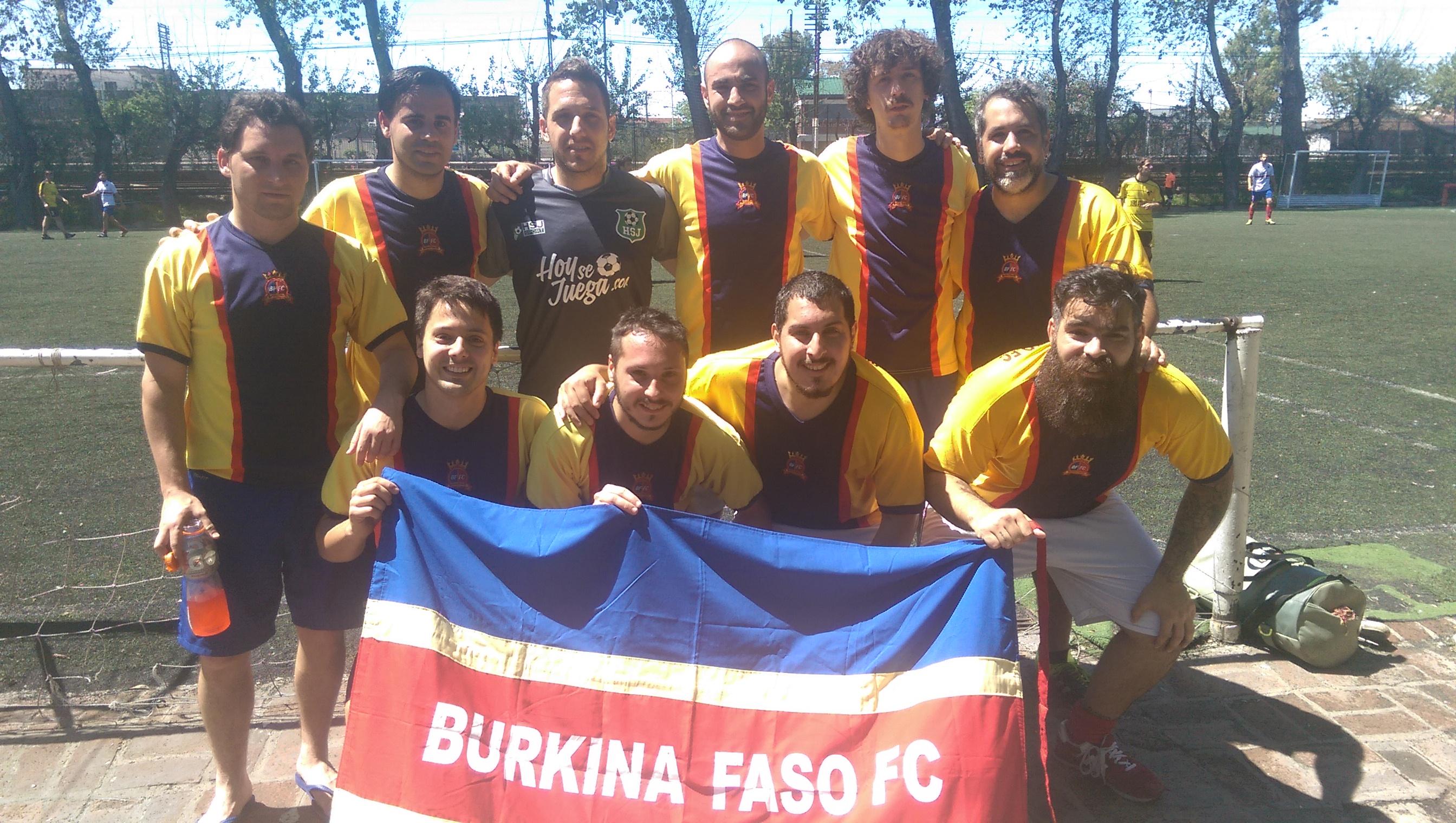 El equipo Burkina...