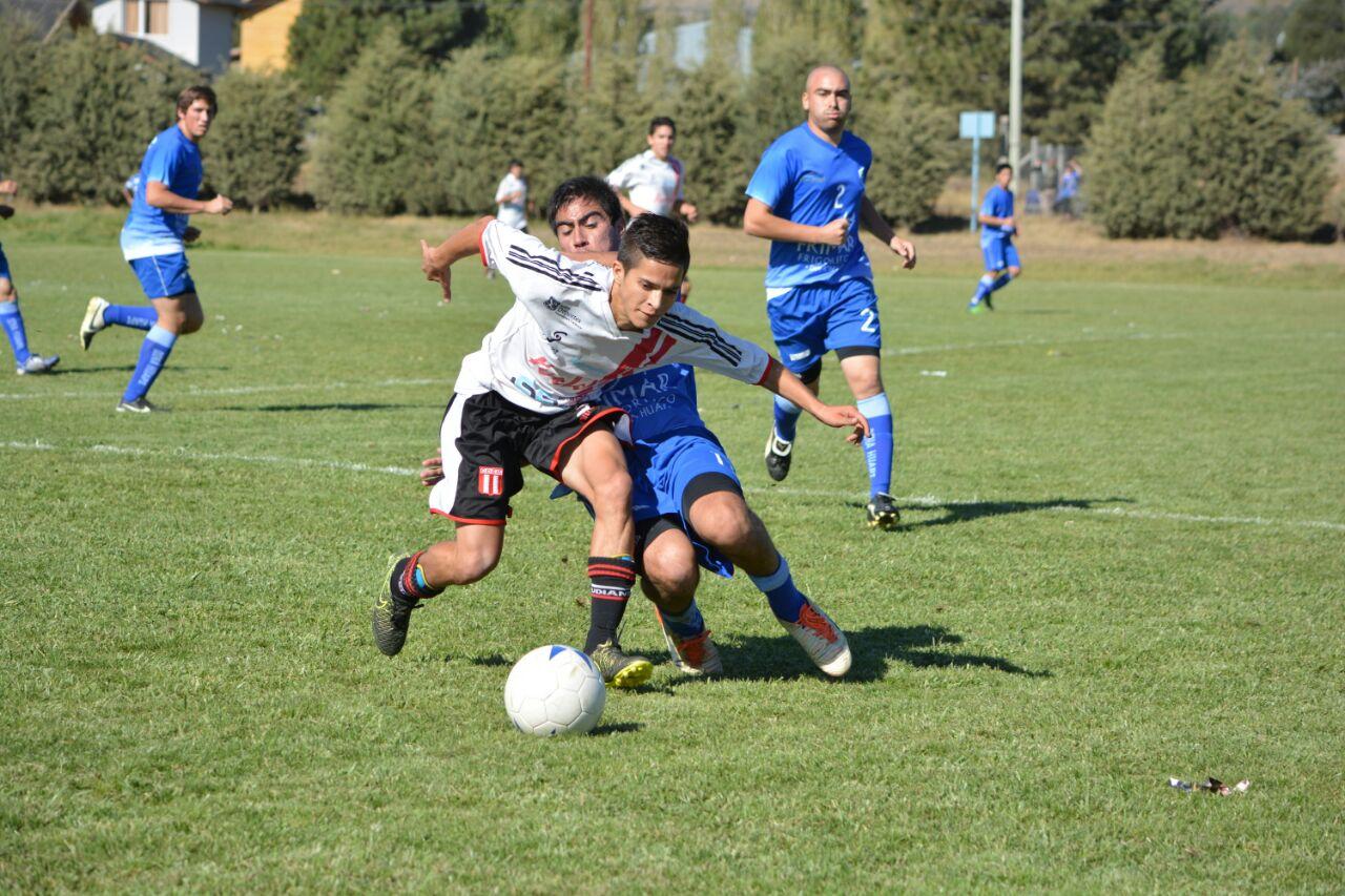 Conocé al goleador de la Liga de Fútbol Amateur de Bariloche