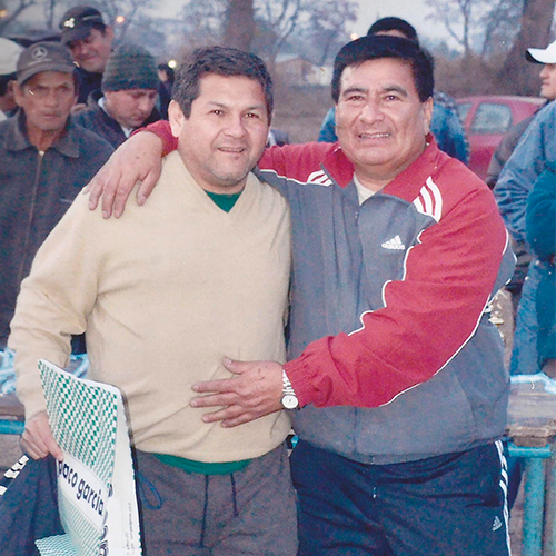 """Con la idea de afianzar la confraternización entre sus pares Manuel """"Maño"""" Jiménez, vicepresidente del Círculo de Oficiales de la policía de Tucumán, creó el campeonato de la policía de la provincia."""