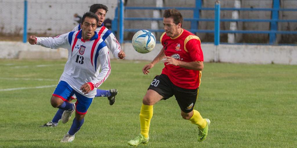 El crack barilochense hizo un repaso por su carrera futbolística, que lo vio jugar en River Plate. Tras haber pasado por varios clubes del continente, el jugador afirmó que todavía extraña las canchas.