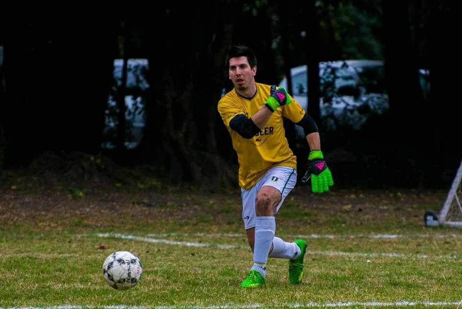 Desde el año 2009, en Córdoba, Argentina, se desarrolla el Torneo Golden de Fútbol 11, un lugar familiar, dónde se pregona la buena onda, pero se pelea con todo, para entrar a Los Play-off.