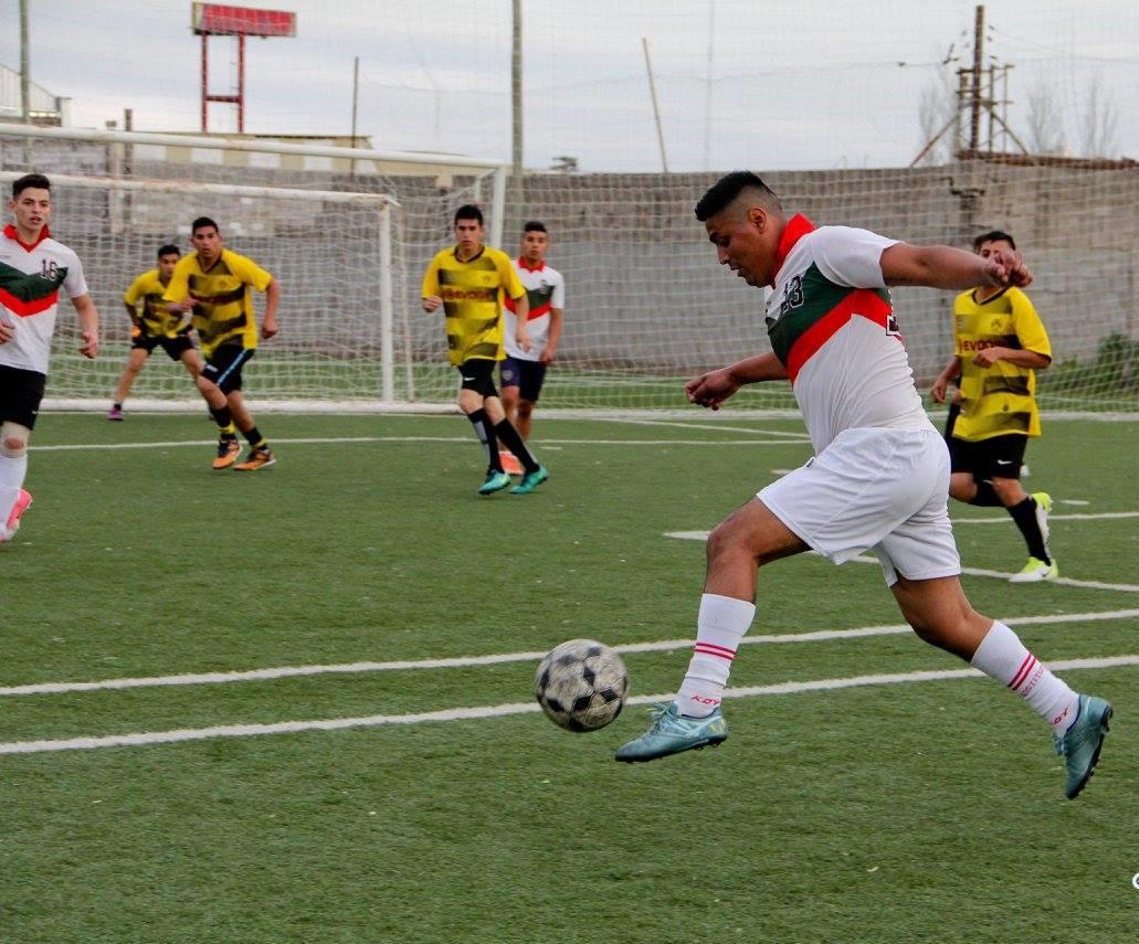 Dialogamos con Cristian Whitaker, organizador del torneo La Docta de Fútbol 7, que se disputa en la Ciudad de Córdoba, Argentina.