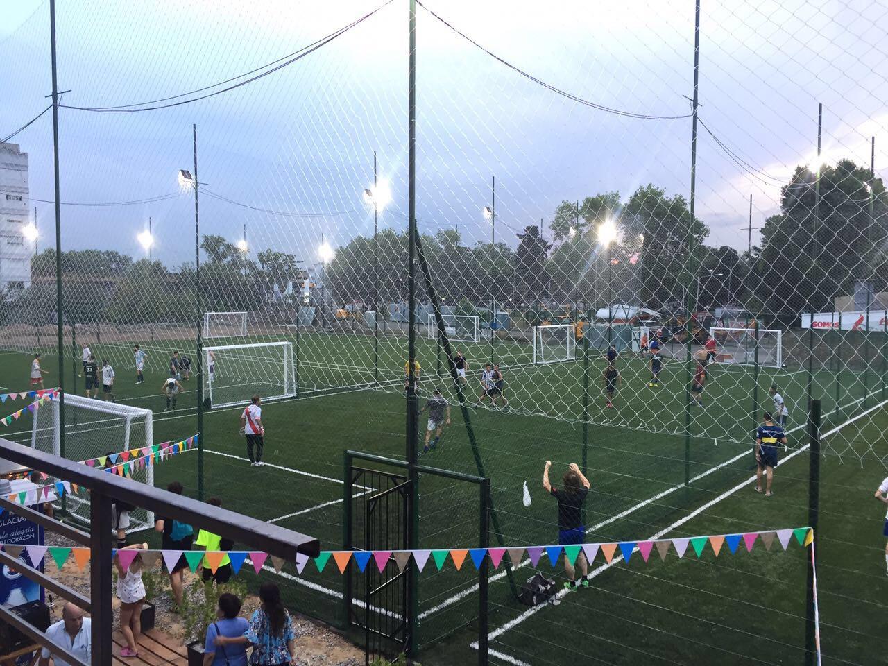 Hablamos con Mauro Chávez, de Madison S.A., una empresa que con 'Sucre Fútbol' ya puso en marcha casi cuarenta complejos deportivos.