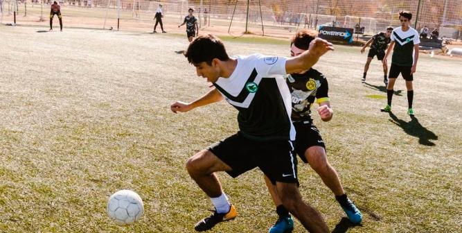 Nos contactamos con Franco Bevacqua, quien junto a Facundo Fernández son los organizadores de este novedoso torneo que se juega en Ciudad Universitaria, Córdoba capital.