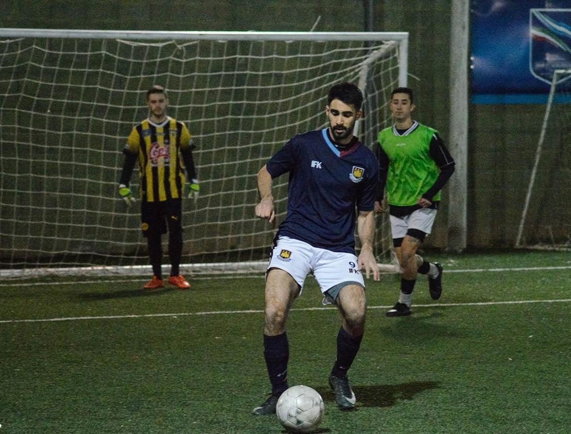 Nos contactamos con Manuel Mías, goleador histórico del torneo Cruz del Sur, quien además es el máximo artillero de su equipo: la Moverola.
