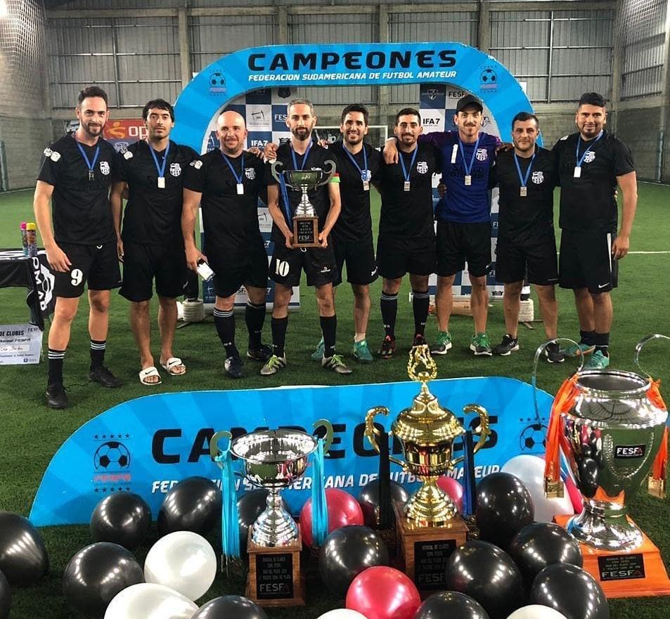Se realizó una nueva edición del campeonato organizado por la Federación Sudamericana de Fútbol Amateur (FESFA) y el combinado que representó a La Plata se coronó subcampeón de la Copa de Plata.