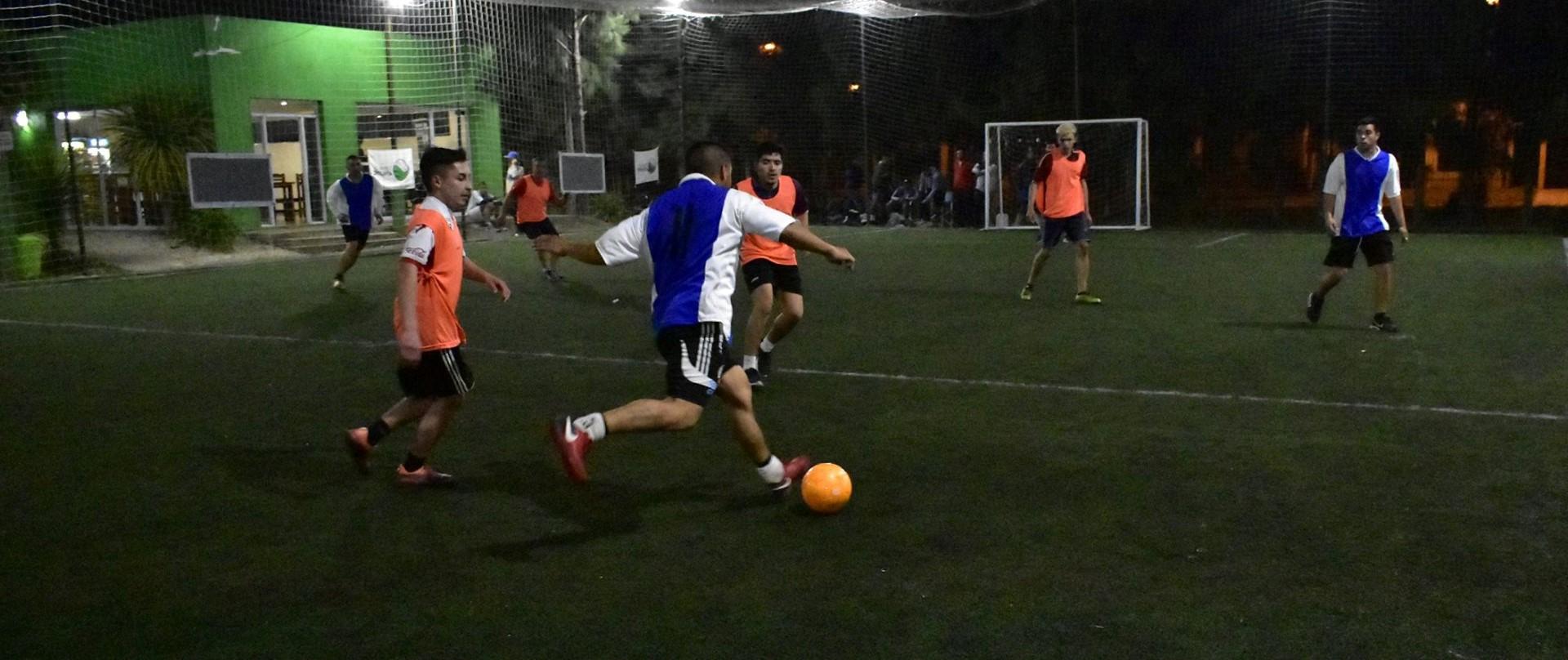 En el certamen platense se disputa una Liga en canchas de 5 entre semana con buen suceso, luego del horario de oficina. Además se juegan campeonatos de fútbol 7, 9 y 11 masculino y femenino.