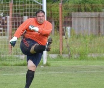 El arquero más gordo del fútbol Profesional.