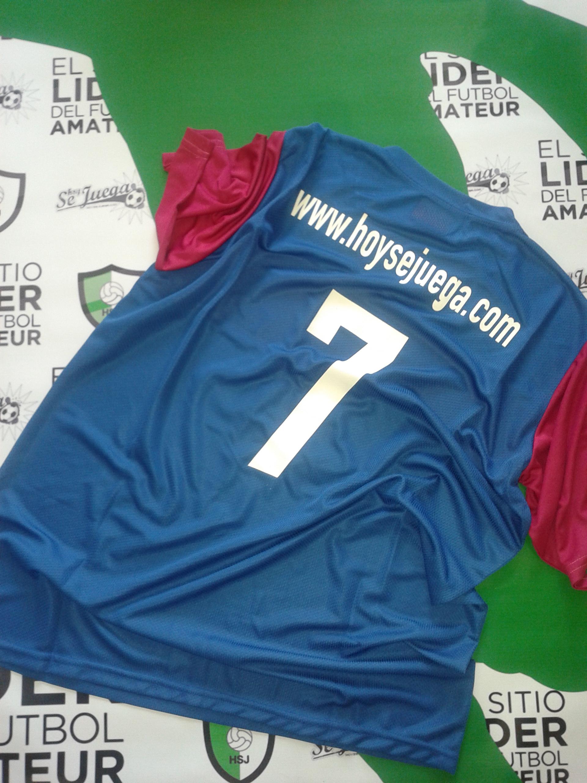 El sitio líder del fútbol amateur envía las camisetas del concurso para Morón, Argentina!